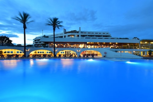 佩斯塔納阿爾沃爾培亞海灘和高爾夫渡假村酒店/