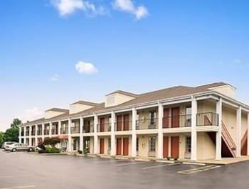 Picture of Super 8 - Garner/Clayton/Raleigh Area in Garner