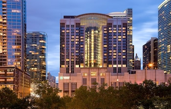 Picture of Embassy Suites Chicago Downtown Magnificent Mile in Chicago