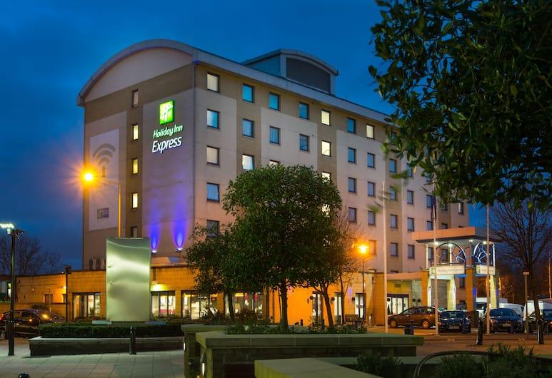 Holiday Inn Express London Wandsworth, Londýn, Průčelí hotelu