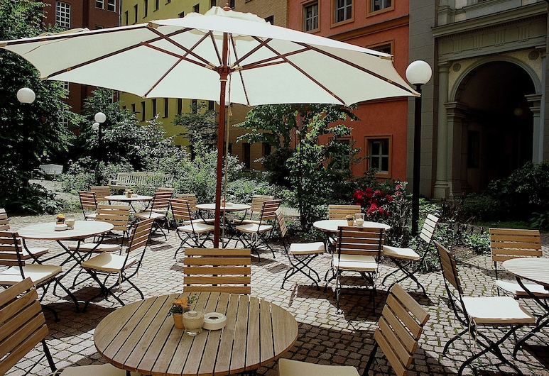 Mercure Hotel & Residenz Checkpoint Charlie, Berlin, Terrace/Patio