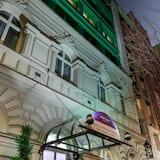 تفاصيل الفندق من الخارج