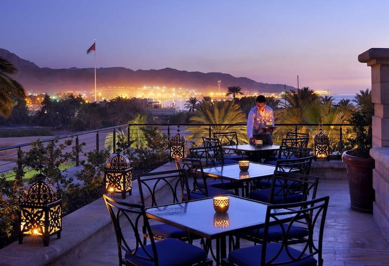 Movenpick Resort & Residences Aqaba, Aqaba, Outdoor Dining