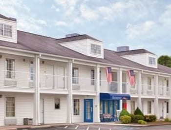Picture of Baymont Inn & Suites Tullahoma in Tullahoma