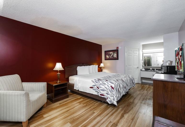 Red Roof Inn & Suites Wilson, וילסון, חדר סופריור, מיטת קינג, למעשנים, חדר אורחים