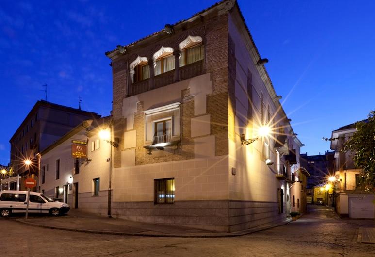 Palacio Ayala Berganza, Segovia, Façade de l'hôtel