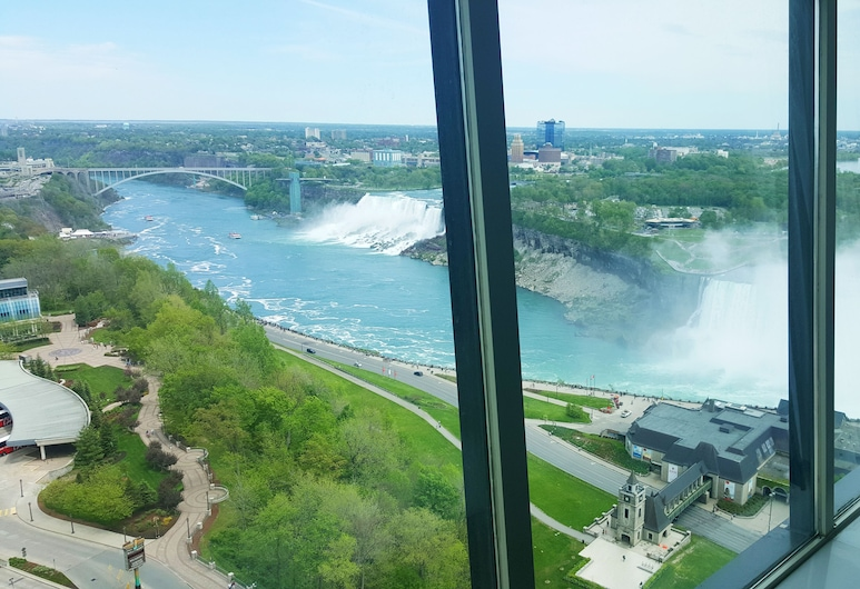 The Tower Hotel Fallsview, Niagara Falls, 1 Queen Bed Luxury Falls View Room, Guest Room