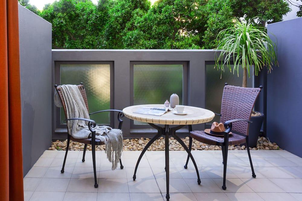 Comfy Suite - Vista al balcón