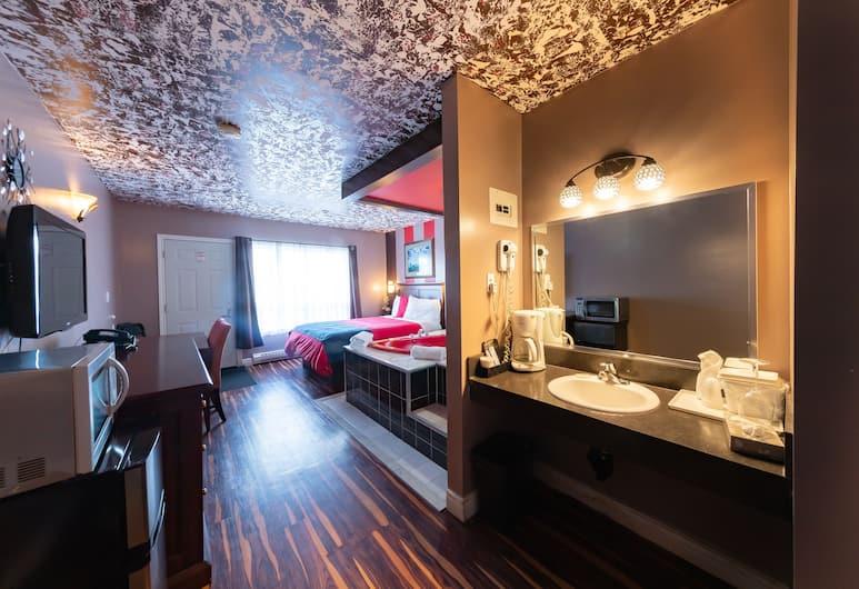 Villager Lodge, Niagara juga, Sviit, 1 lai voodi, mullivanniga, vaade siseõuele, Vaade toast