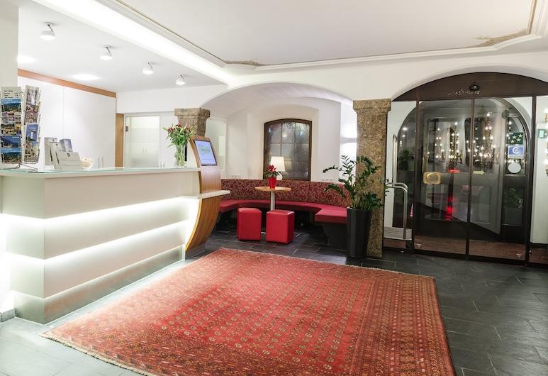 Hotel Mondschein, Innsbruck, Lobby