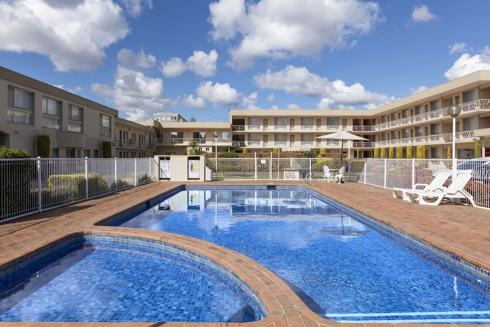 Best Western Central Motel Apartments Queanbeyan Outdoor Pool