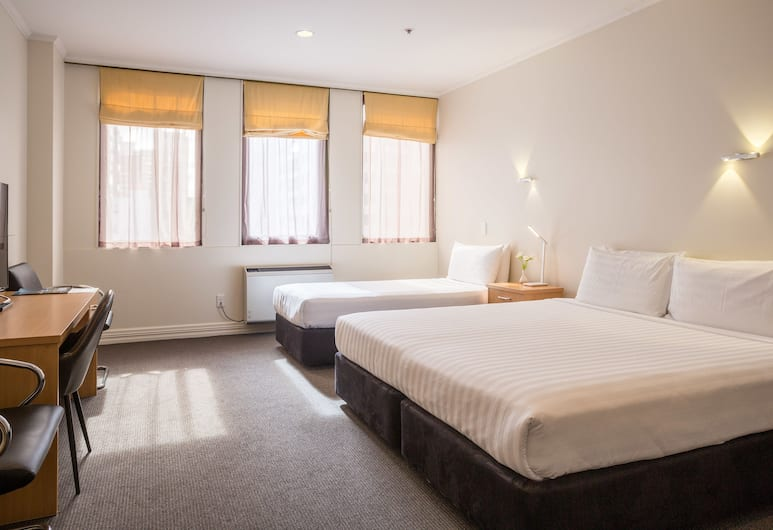 President Hotel, Auckland, Superior Triple Room, Guest Room