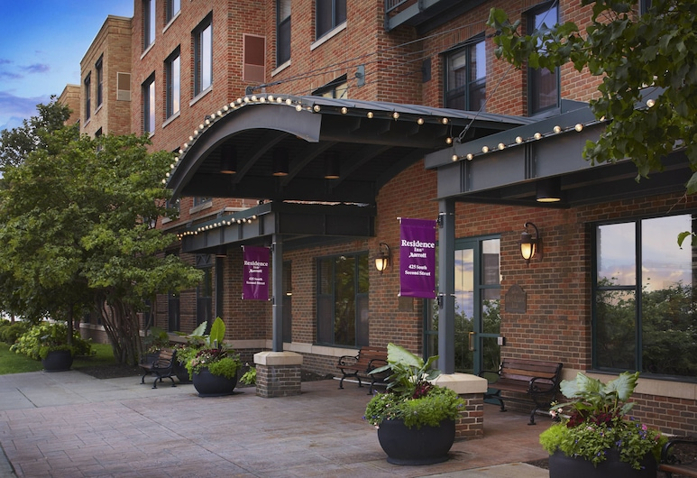 Residence Inn Minneapolis Downtown at The Depot by Marriott, Minneapolis