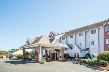 Picture of Microtel Inn & Suites by Wyndham Tifton in Tifton