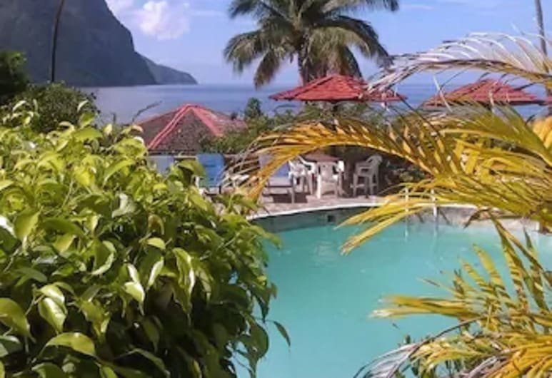 Hummingbird Beach Resort, Soufriere, Välibassein