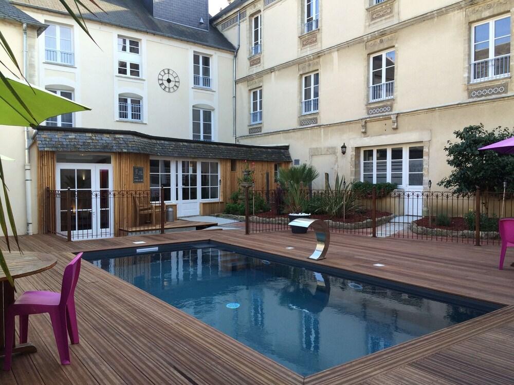 Hôtel De Brunville Bayeux Pool