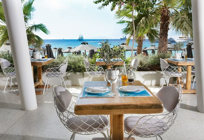 Mykonos Palace Beach Hotel, Grad Mikonos, Restoran na otvorenom