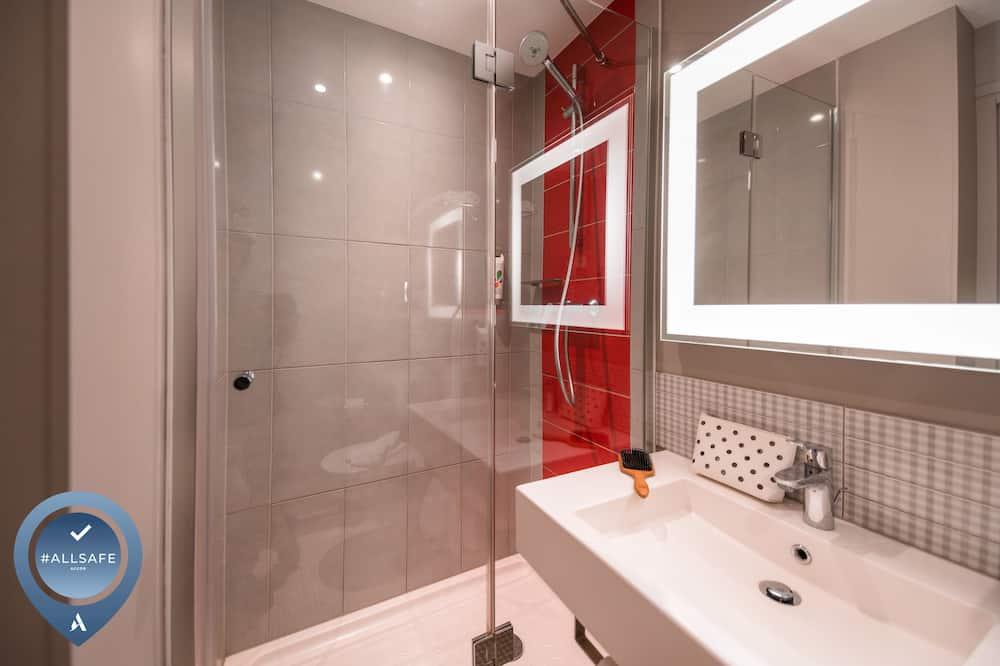 Štandardná izba, 1 dvojlôžko - Kúpeľňa
