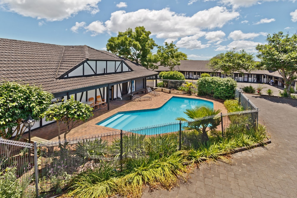 Oakwood Manor Motor Lodge, Mangere, Outdoor Pool
