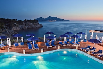 Enter your dates to get the Massa Lubrense hotel deal