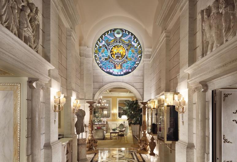 Hotel Splendide Royal, Rooma, Fuajee