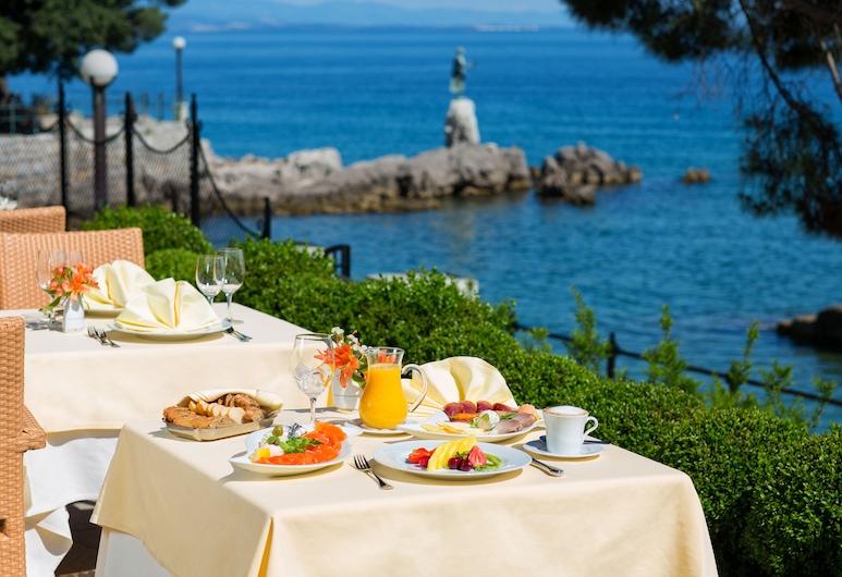 Amadria Park Milenij, Opatija, Restoran na otvorenom