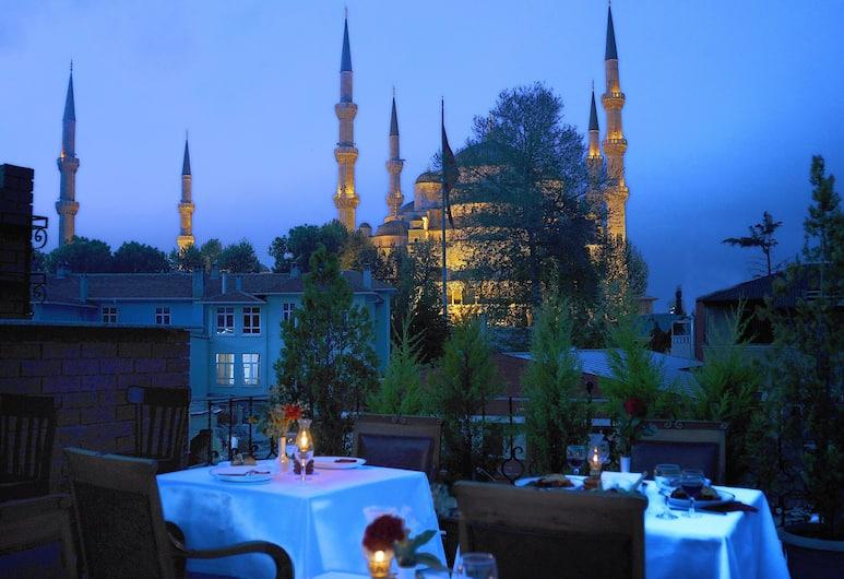 サルニッチ ホテル & サルニッチ プレミア ホテル (オットマン マンション), イスタンブール, 屋外レストラン
