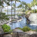 プールの滝