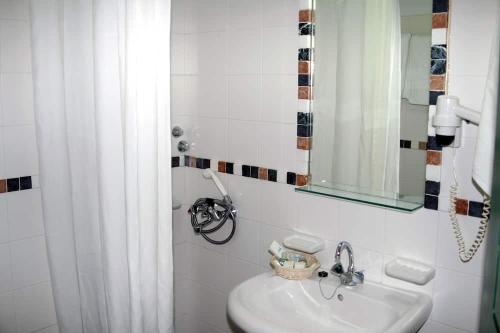 Habitación estándar - Lavabo en el baño