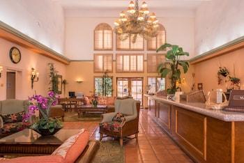 תמונה של La Fuente Inn & Suites ביומה