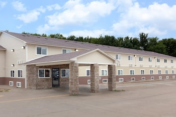 Picture of Super 8 Fort Madison IA in Fort Madison