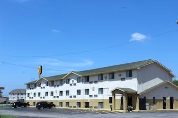 托佩卡托皮卡沃納梅克路 I-70 溫德姆速 8 飯店的相片