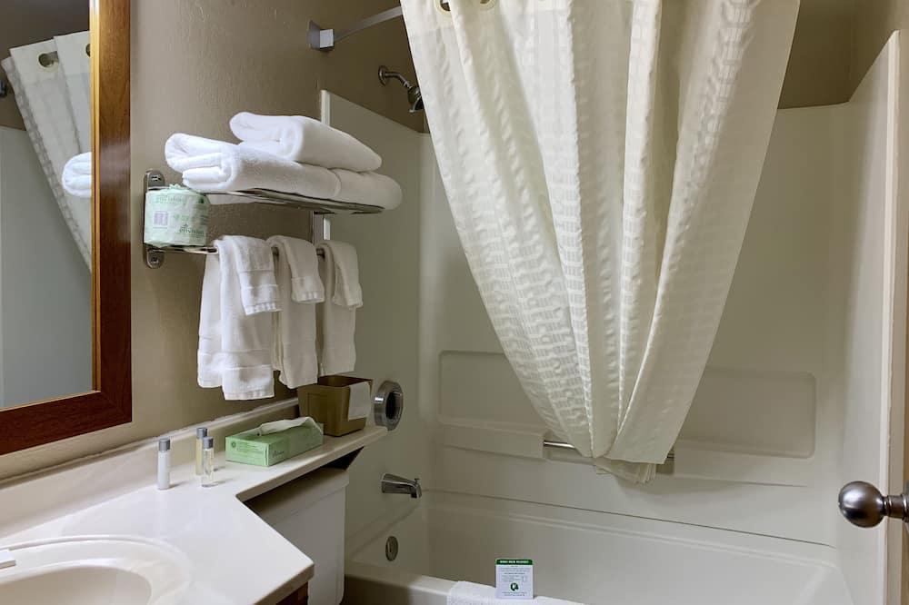 Chambre Standard, 1 très grand lit, plusieurs vues - Salle de bain