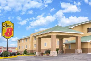 Picture of Super 8 by Wyndham Dodge City in Dodge City