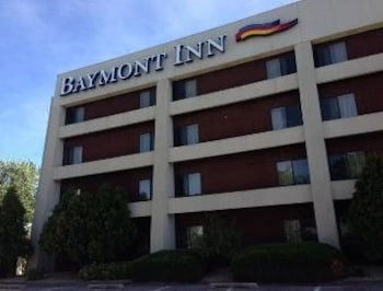 Picture of Baymont Inn Davenport in Davenport