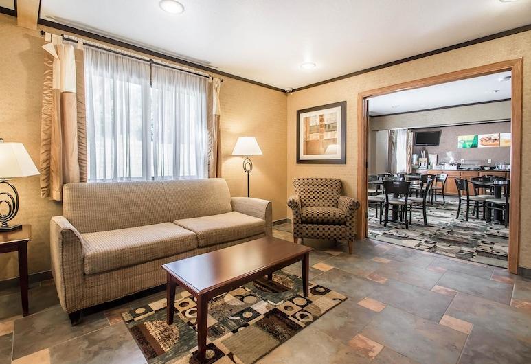 Quality Inn & Suites Decorah, Decorah, Lobi