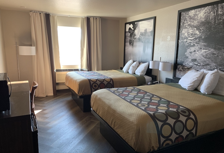 Super 8 by Wyndham Greeley, Greeley, Standard Room, 2 Queen Beds, Non Smoking, Guest Room