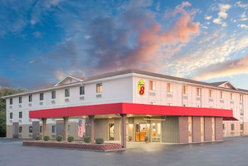 Picture of Super 8 by Wyndham Terre Haute in Terre Haute