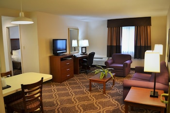 Picture of Ashmore Inn and Suites in Lubbock