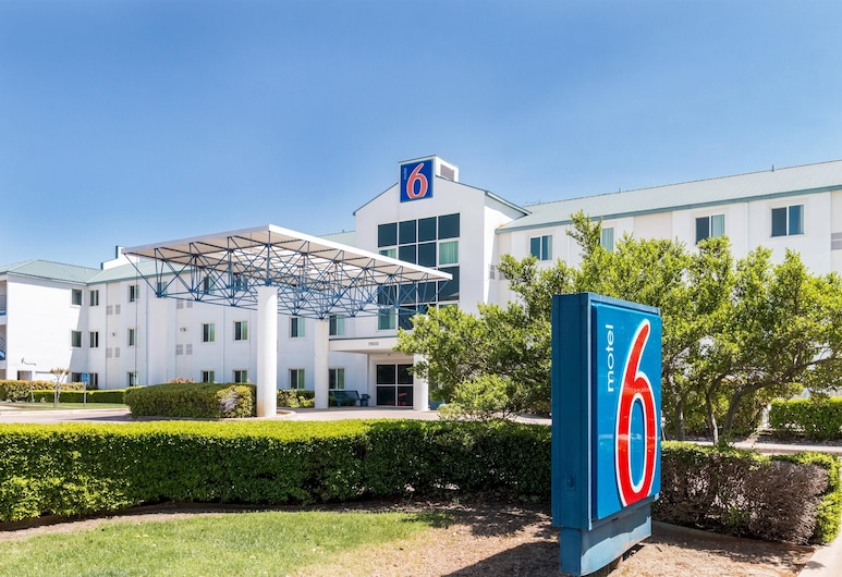 Motel 6 Irving, TX - DFW Airport North, Irving