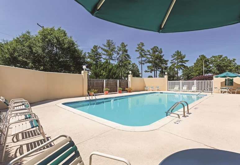 La Quinta Inn & Suites by Wyndham N Little Rock-McCain Mall, North Little Rock, Pool