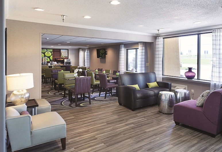 La Quinta Inn & Suites by Wyndham Baton Rouge Siegen Lane, Baton Rouge