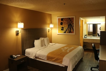 Picture of Days Inn by Wyndham Fresno South in Fresno