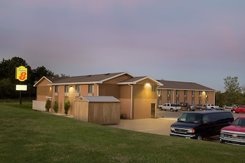 Picture of Super 8 by Wyndham Oskaloosa IA in Oskaloosa