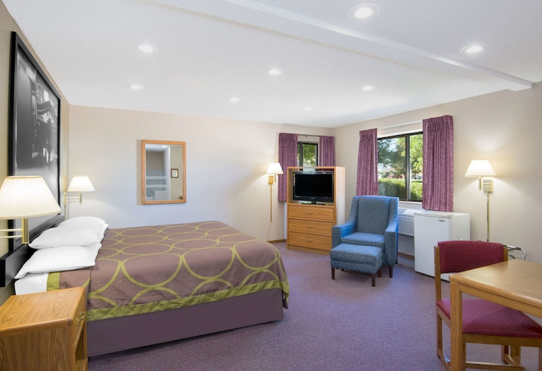 Super 8 by Wyndham Knoxville, Knoxville, Room, 1 Queen Bed, Accessible, Non Smoking (Mobility Accessible), Guest Room