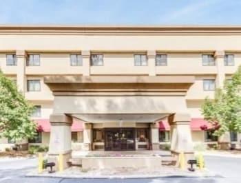 Choose This Cheap Hotel in Kalamazoo