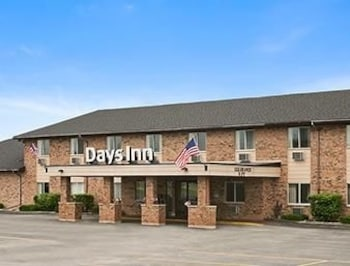 Picture of Days Inn Manistee in Manistee