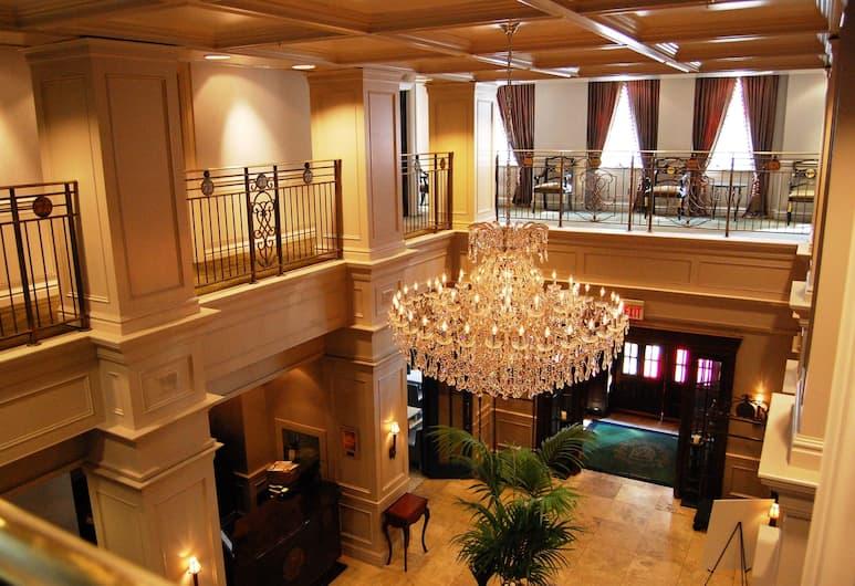 Windsor Arms Hotel, Toronto, Saguão