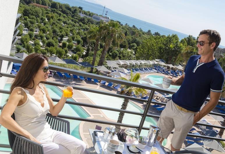 Hôtel & Spa Baie des Anges by Thalazur, Antibes, Habitación superior, vista al mar, Balcón