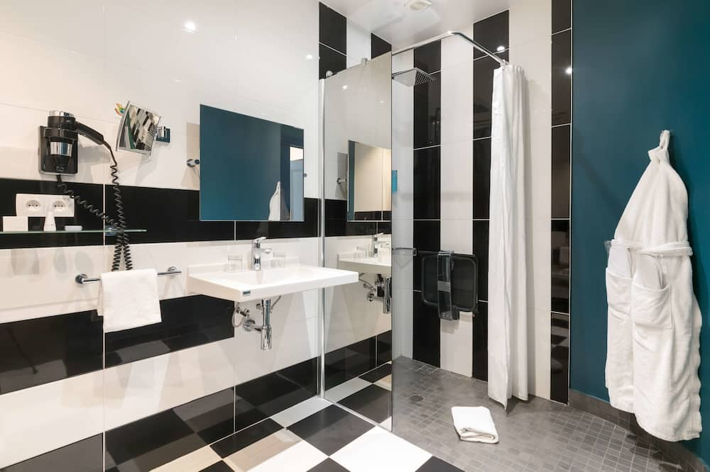 Deluxe-Zimmer, 1King-Bett, Nichtraucher (Larger Room) - Badezimmer